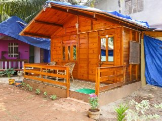 1-BR rustic hut for a couple's retreat, 1 km from Agonda beach