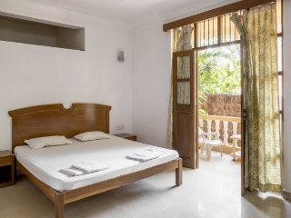 Well-lit private room accommodation, 100 m from Calangute beach