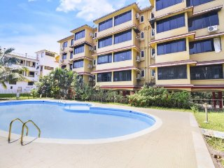 Well-appointed stay with pool, 200 m from Vagator Beach