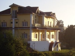 Homely abode for 3 near Ooty Lake