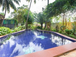 Pet-friendly villa with a pool, walking distance from Club Cubana