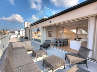 5 bedroom apartment with a terrace and garage Premium Excellent G