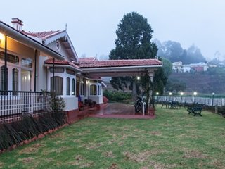 Eco-friendly 6-BR villa, 1.5 km from Ooty Lake