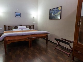 Chic villa stay with a scenic view, 1.5 km from Ooty Lake