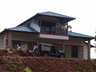 Commodious 4-bedroom abode along the Baba Budangiri range
