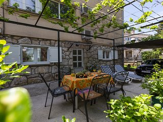 Apartment Nono Moj - Two-Bedroom Apartment with Terrace and Garden View A3+1