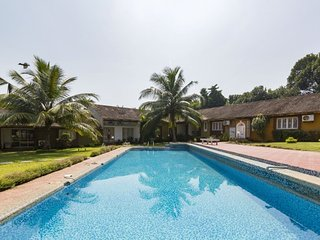 Private room in a cosy BB with pool, close to Anjuna beach
