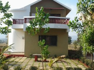 Rejuvenating 4-BR bungalow, near Karla Caves