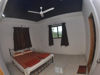 Well-appointed apartment for eight, near Karla Caves