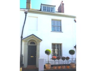 Lovely holiday cottage in Exmouth Devon 3 bedrooms, sleeps 6 close to town/beach