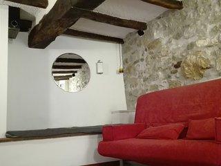 Deliziosa casetta in caratteristico borgo medieval