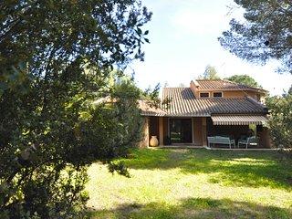 Villa elegante immersa in parco di 4.000 mq. a Santa Margherita di Pula