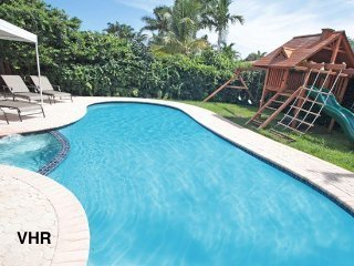 Palm Cove: Great Rates! Beaches.