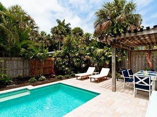 Island Time: Gorgeous Family Friendly Private Pool Home, 1 Block off Pine Ave!