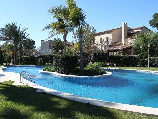 Precioso Apatamento con 2 dormitorios y piscina en recinto lujoso 'Golf Bonmont'