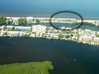 Siesta Key - Gulf-Front Retreat - 2 BR – Free Boat Docks - Upscale