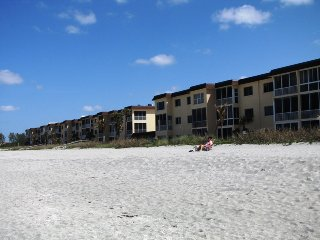Siesta Key - Gulf-Front Retreat - 2 BR – Free Boat Docks - Ground Floor