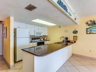 Oceanfront Holiday Villas III 101 Condominium