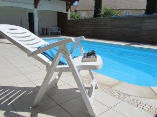 Les Logis de la Rimbertière, Futuroscope, avec piscine privée,