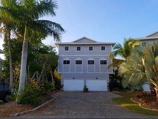 Beachwalk - Siesta Key Beach - 3BR Townhouse - Heated Pool - upscale