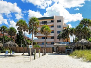 Sea Shell Condo - directly on world famous Crescent Beach Siesta Key Florida