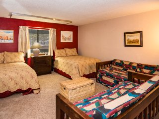MASSIVE 2nd Bedroom.  Sleeps 6 with room to spare!  Dish Network and DVD/VCR player!  Kids Krash!