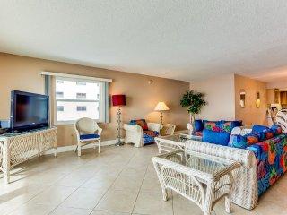 Oceanfront Holiday Villas III 204 Condominium