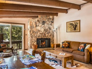 Large 2/2 Angel Fire Condo Near Ski/Bike Lift!