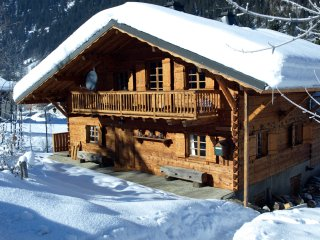 Chalet Gallois, self catered alpine chalet for 10 in beautiful Chatel
