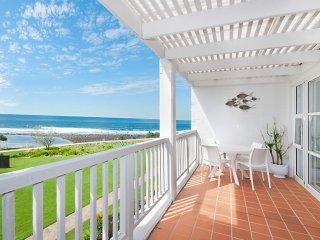 Quarterdeck 4 - Beachfront Getaway!