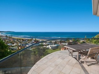 Wave Hill House - Ocean Views!