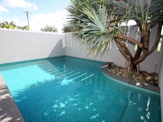 Bronze - Lennox Head Oasis!