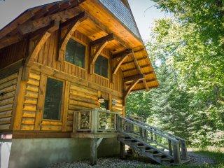 Cote Nord Contemporary Log Cabin