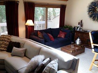 Harbor Springs, Large 3 Bedroom Condo, Harbor Cove