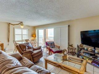 Oceanfront Holiday Villas III 303 Condominium