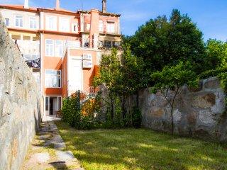 Liiiving in Porto | Central Garden Flat