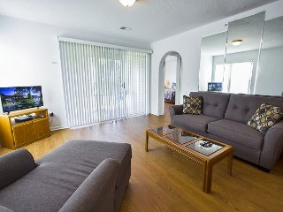 Carefree Getaways - 2 Bed/2 Bath Condo Overlooks Holiday Hills Golf Course!!