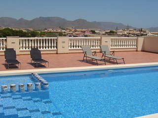 Stunning 3 bed 2 story House. Pool, sea views.