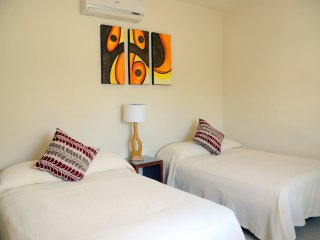 Comfortable 1 bedroom apartment at the Carribean Sea!!, Puerto Morelos