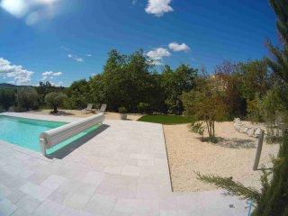 Gites du Mas de Molines avec piscine chauffee