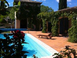 Le Pigeonnier du Castelet Del Bouis calme et piscine au coeur de la Garrigue