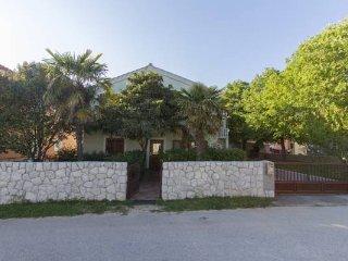 Apartment Jadranka - Two Bedroom Apartment with Balcony and Garden View, Zadar