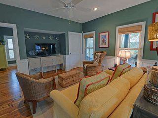 3Bed 2Bath SEASIDE cottage 4 min walk to beach, 1min walk to pool from $115/nt, Seagrove Beach