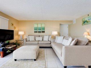 Oceanfront Holiday Villas III 701 Condominium
