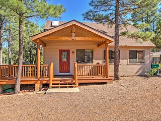 Show Low Home w/ Deck ~ 2 Mi to Fool Hollow Lake!