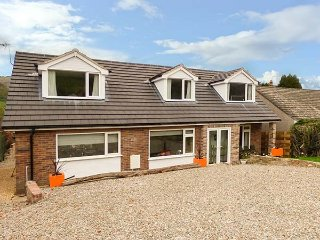 TANNOCHBRAE, full of character, fantastic lawned garden with patio, walks from t
