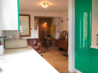 2 bed Stamford Hill apartment, London