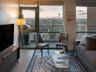 Riverfront Condo - Gateway to Denver