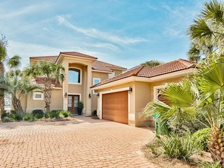 DESTINY PALMS - Elegant Home in the Exclusive Gated Community of Destiny East
