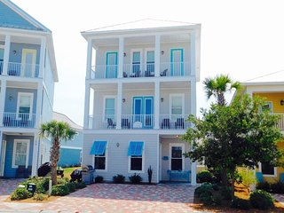 Piper Ann`s Place~ 6 Bedroom/5.5 Bathrooms with FIVE KING BEDS!!! ~ Perfect, Destin